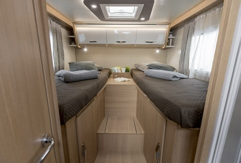 McLouis Fusion 373 Rear single beds